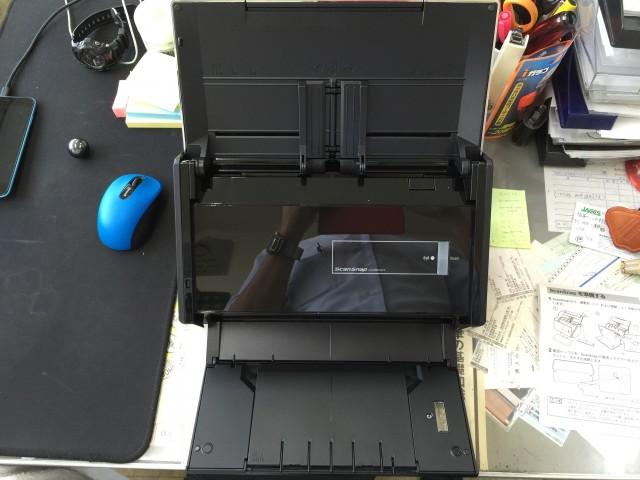 ScanSnap iX500開けるとこんな感じ